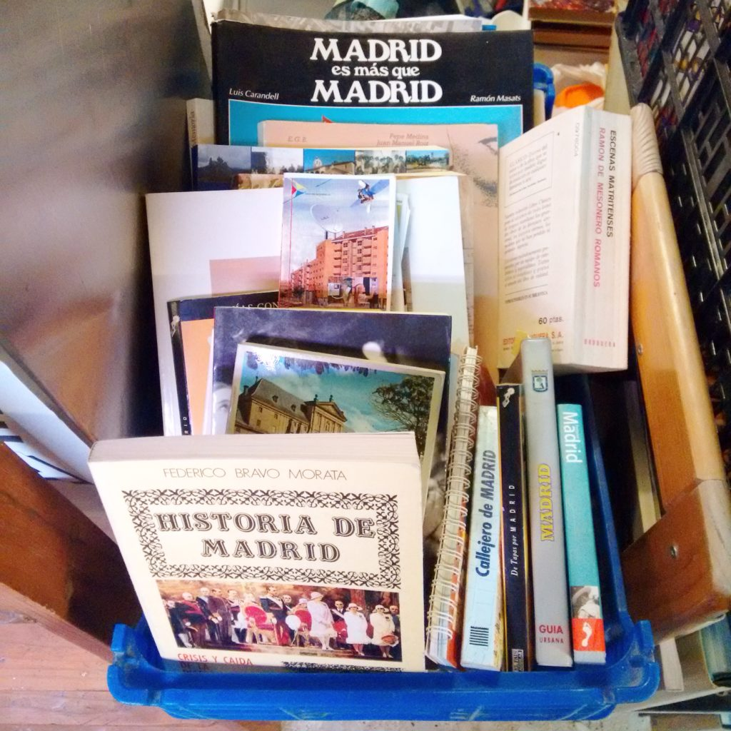 Old Guides to Madrid at La Casquería bookstore