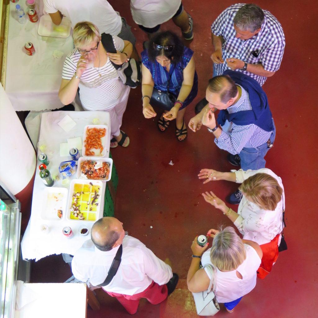 Madrileños enjoying the Saturday seafood vibes at Cebada.