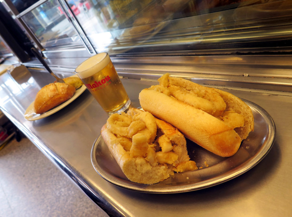 The famous bocadillo de calamares