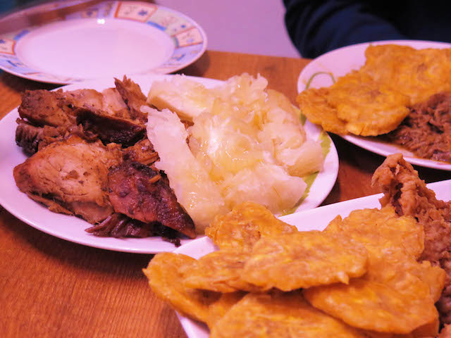 A plate of pierna and yuca