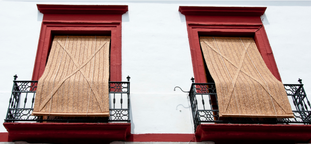 Traditional grass blinds in Cordoba (photo credit: Flickr: Marco Polo)