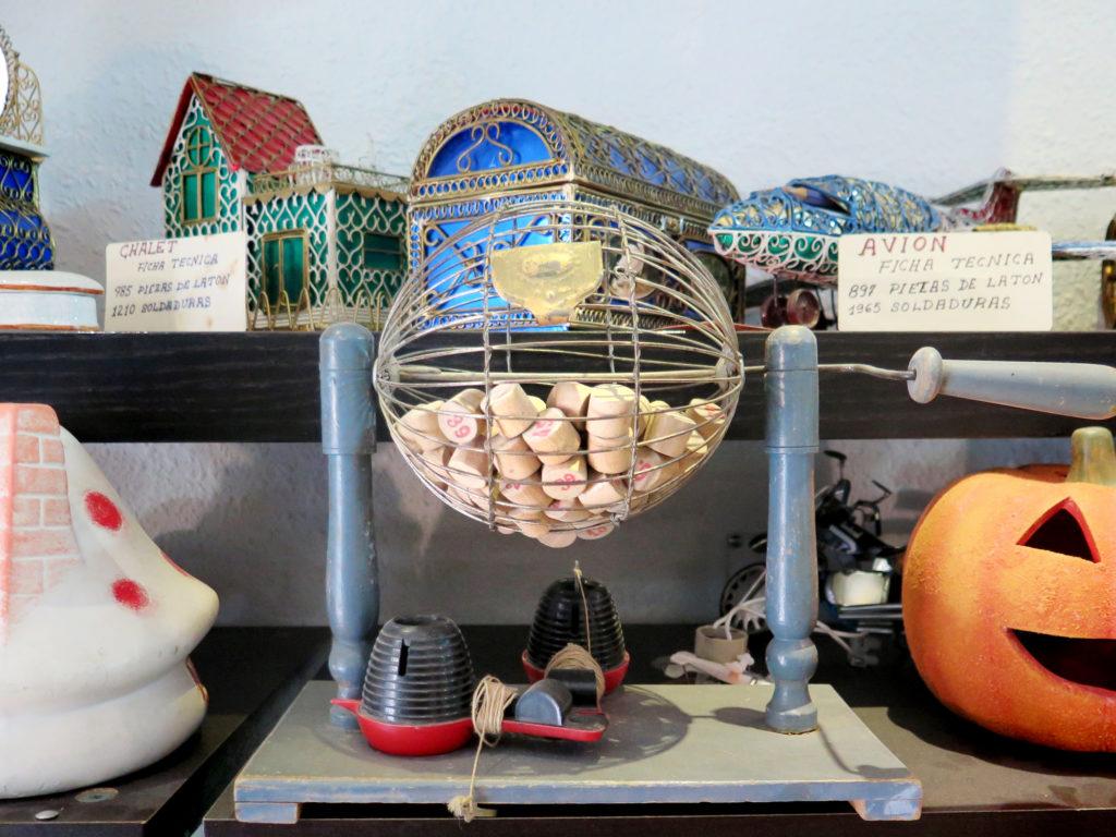 An old bingo machine