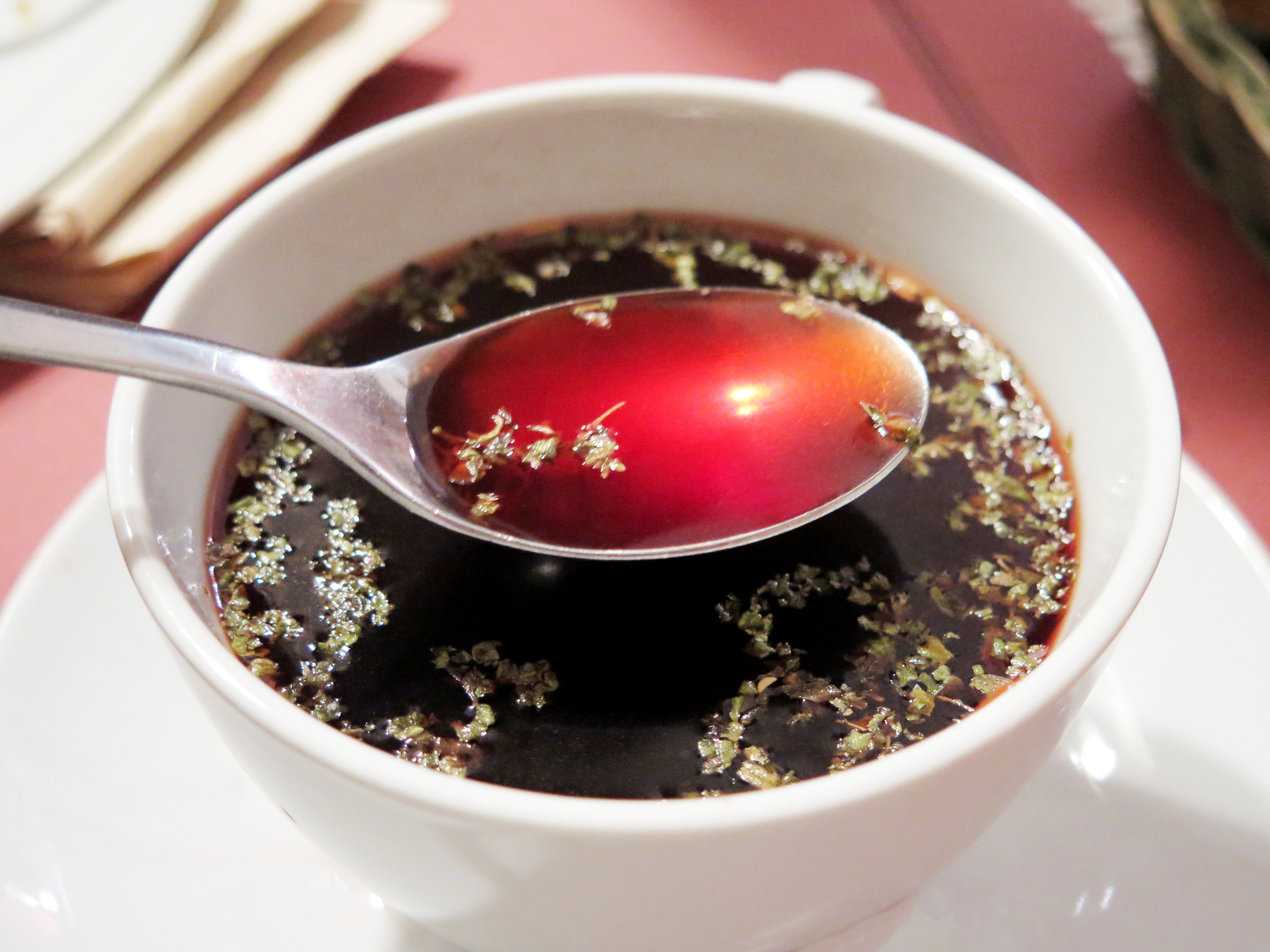 Beetroot soup with oregano