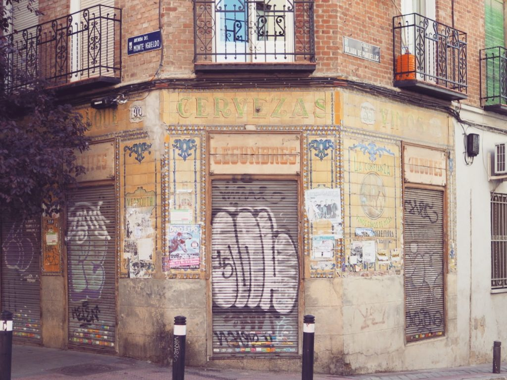 An old liquor shop in Vallecas