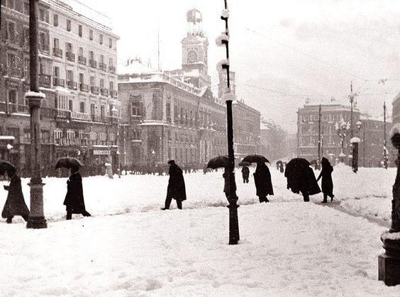 Puerta del Sol, 1945