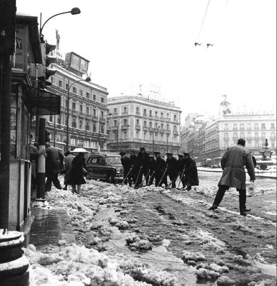Puerta del Sol, 1960