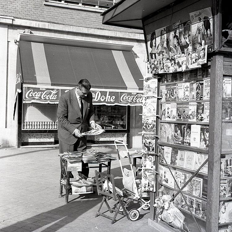 Oscar Skorenzy, 1958. Even Nazis pick up a paper from a newsstand sometimes