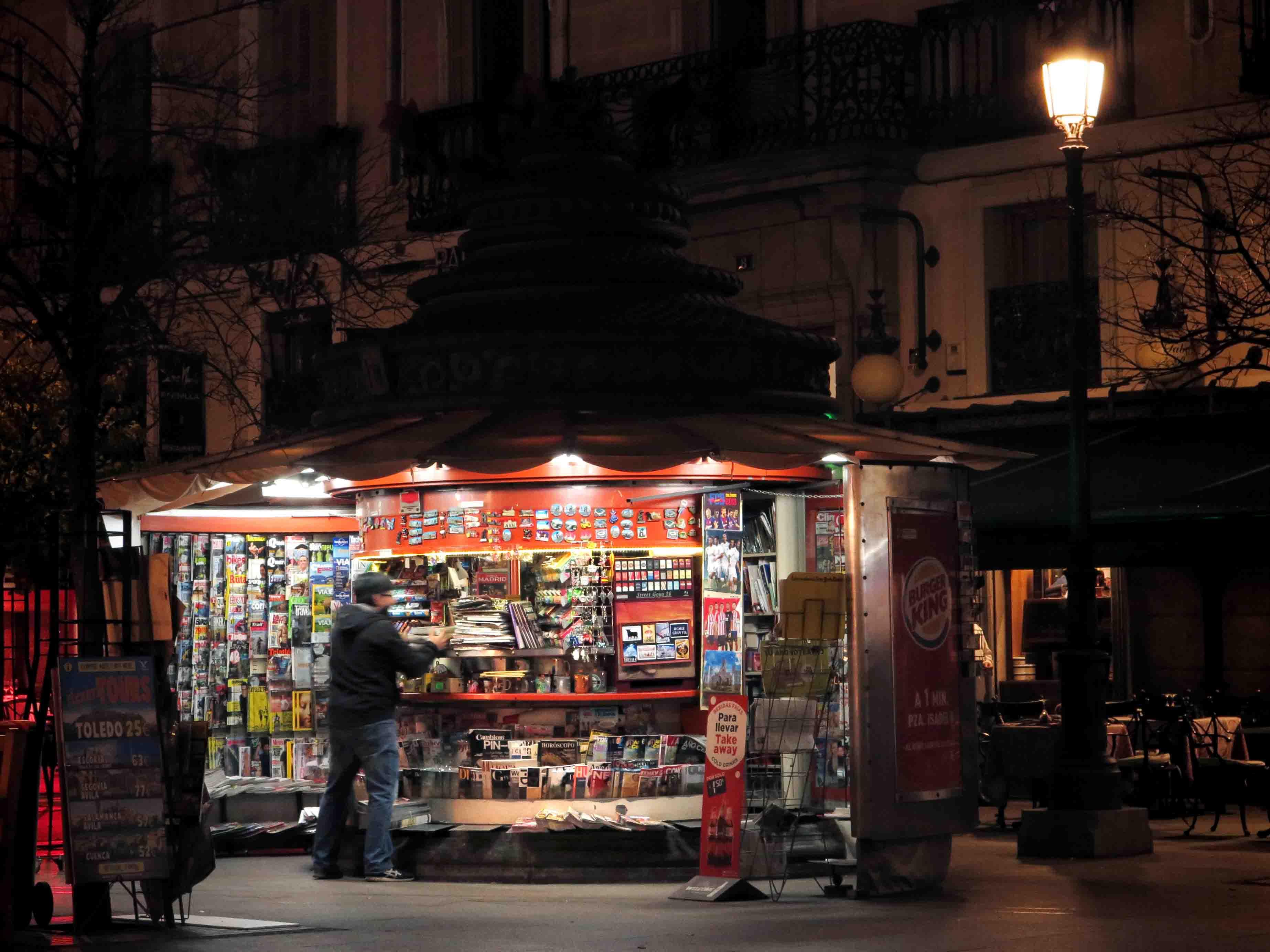 Sergio at his kiosk on Plaza Opera