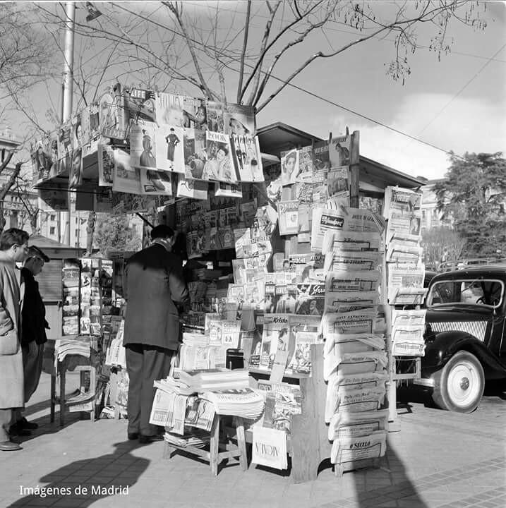 A kiosk at Cibeles, 1954