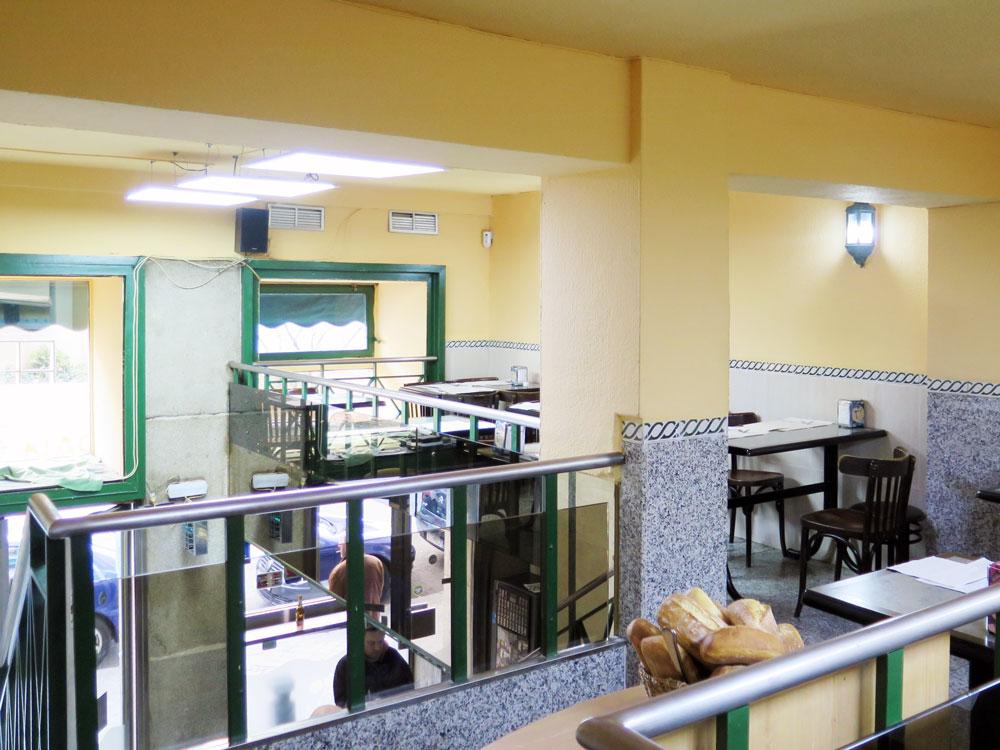 The mezzanine dining area