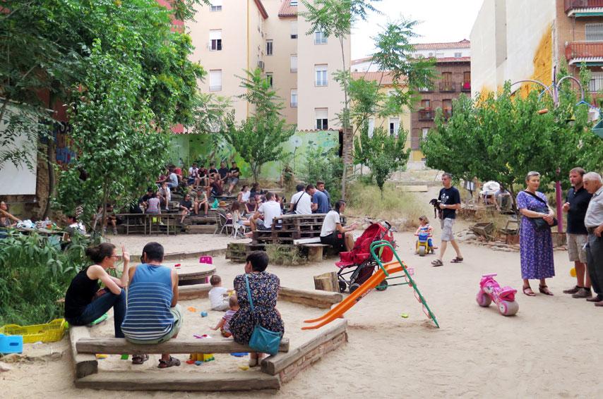 Esta es Una Plaza (A5 €8)