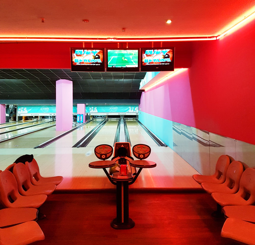 The retro bowling alley