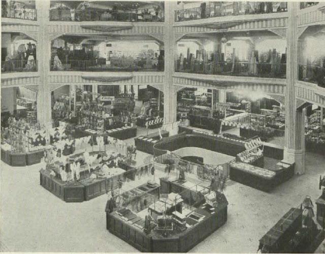 The Madrid-Paris building, 1934