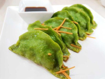 Veg gyoza (dumplings)