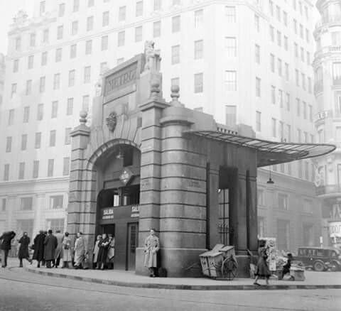 Antonio Palacio's iconic metro entrance of Gran Vía