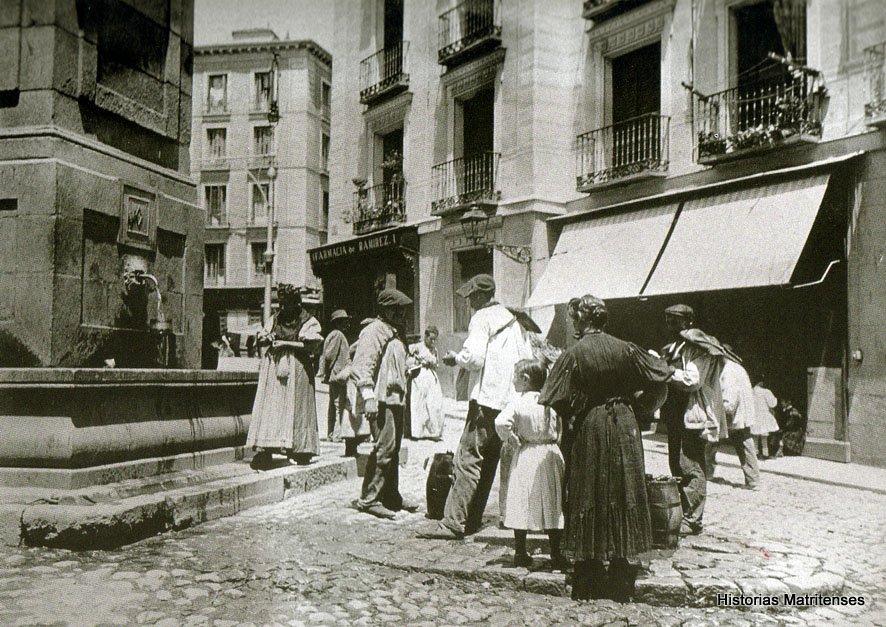 Fuentecilla on Calle Toledo, 1900s