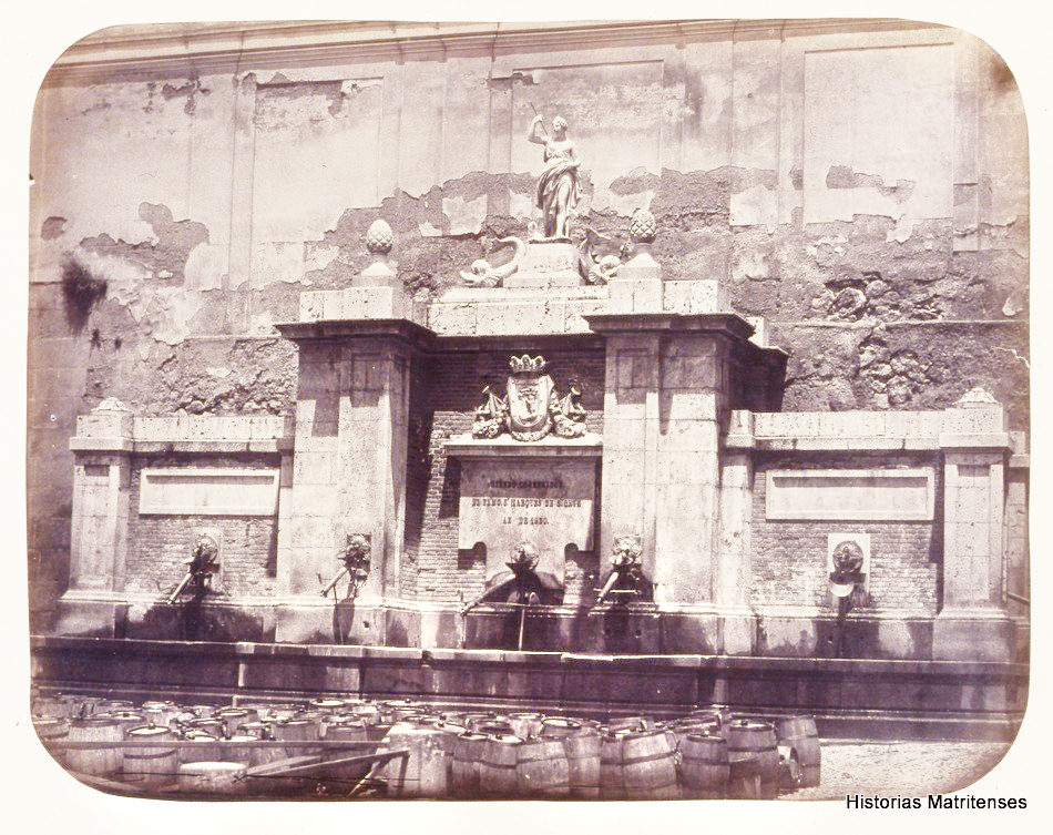 Cruz Verde fountain and barrels, 1864