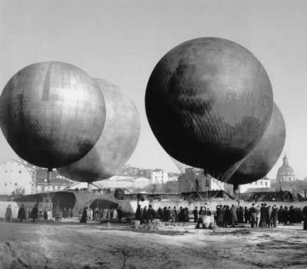 Madrid's balloon rally, 1908