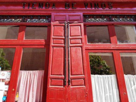 Tienda de vinos (El Comunista)