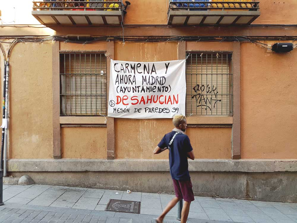 """Carmena and Ahora Madrid (the town hall) are evicting Meson de Parades 39"""