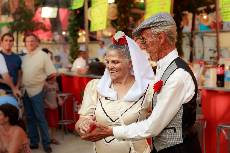 Chulapos dancing