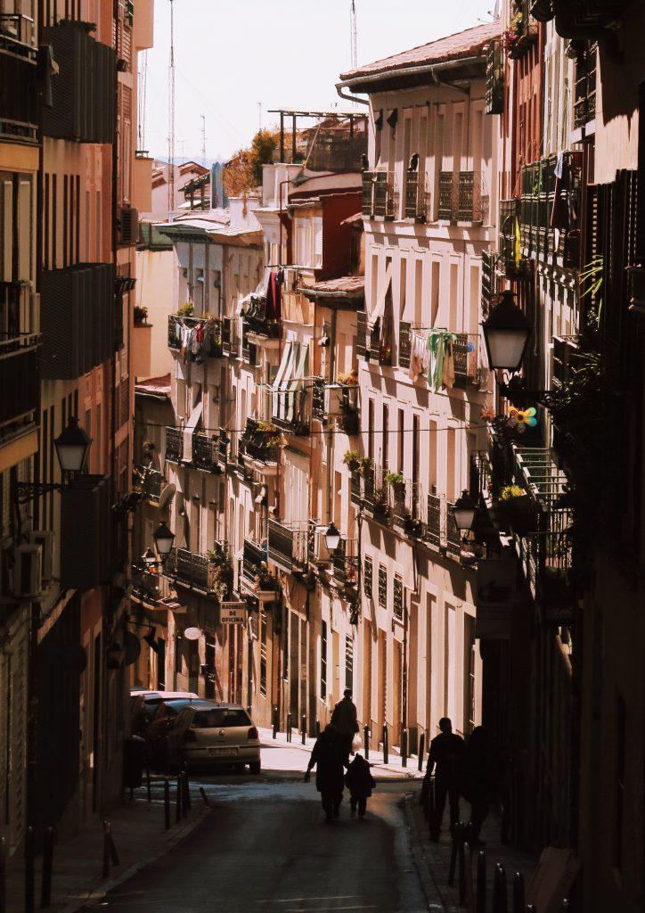 This image has an empty alt attribute; its file name is Calle-Buenavista-724x1024.jpg